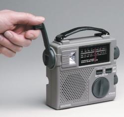 Đài radio  phát thanh khẩn cấp đa băng tần Grundig FR200
