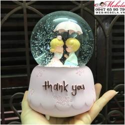 Quà tặng quả cầu tuyết cặp đôi che ô Thank you