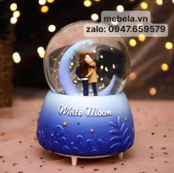 Quả lưu niệm quả cầu tuyết cặp đôi mặt trăng có tuyết fun tự động, đèn, nhạc