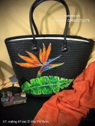 Túi cỏ bàng đen size đại viền da vẽ tay hoa Thiên điểu