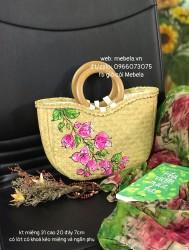 Túi cói bán nguyệt quai gỗ tròn vẽ hoa giấy hồng 🌿