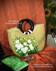 Túi cói quai gỗ đen tròn vẽ hoa cúc