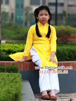 Áo dài bé gái gấm Thái Tuấn - GTT.7- Màu vàng lá trúc đồng xu