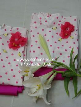 Áo dài chấm bi hồng nền trắng cho bé gái AT37