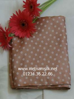 Vải lụa tơ tằm Vạn Phúc-V42-Màu kem họa tiết chấm bi