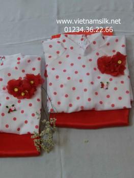 Áo dài voan cho bé gái màu trắng họa tiết chấm bi đỏ AT47