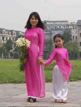 Áo dài cho mẹ lụa Vạn Phúc-AM.49- Họa tiết chấm bi hồng