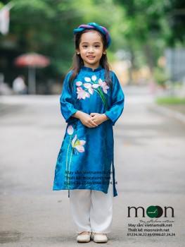 Áo dài vẽ cho bé gái VNS 213 (màu xanh ngọc họa tiết hoa sen)