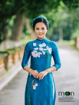Áo dài cho mẹ VNS 223 (màu xanh ngọc họa tiết hoa sen)
