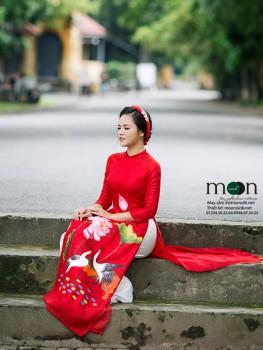 Áo dài cho mẹ VNS 226 ( màu đỏ vẽ họa tiết cò và hoa sen)