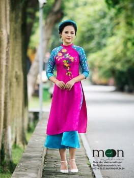 Áo dài cho mẹ VNS 228 ( màu hồng vẽ họa tiết cành hoa cúc)