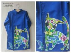 Áo dài vẽ cho bé trai VT04 vẽ con mèo