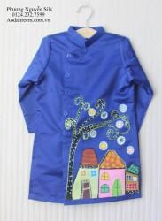Áo dài vẽ cho bé trai hình ngôi nhà 2
