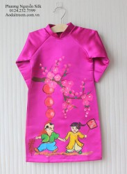 Áo dài vẽ cho bé gái chủ đề tết
