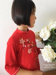 Áo dài đính cườm màu đỏ cho bé gái
