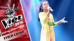 Hoàng Mai Anh < The Voice Kids > trong tà áo dài voan hoa sen cho bé gái