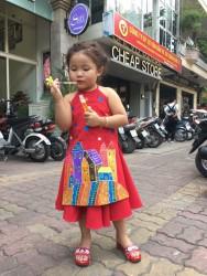 Cô Tấm nhỏ dễ thương trong chiếc áo dài yếm cách tân Phương Nguyễn Silk