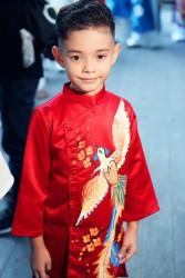 Áo dài cách tân vẽ phượng cho bé trai màu đỏ