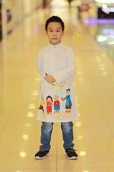 Áo dài cách tân cho bé trai vẽ ông đồ lì xì cho các bé