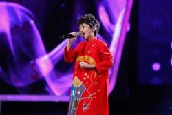 Quốc Đạt - VietNam Idol Kids trong tà áo dài cách tân cho bé trai PNS