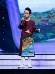 Quang Linh - VietNam Idol Kids trong trang phục áo dài cách tân cho bé trai