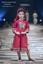 Áo dài bé gái Linen đỏ thêu  xương rồng XTRC.04