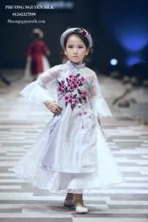 Áo dài cách tân cho bé gái Xuân Sang Khoe Sắc XTRC.018