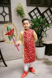 Áo dài trẻ em Phương Nguyễn Silk - Áo dài cách tân cho Trai Trung thu 2018 - Thô hoa đào nhí phối Linen phi lụa vàng