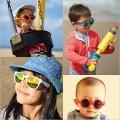 Kính râm chống tia UV cho bé dưới 3 tuổi (gọng chấm bi trắng)